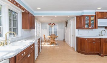 8 Bedrooms Single Family Detached
