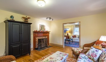 Beautifully Maintained Saltbox