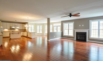 7 Bedrooms Single Family Detached