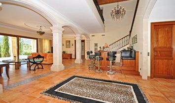 Unique Villa In Santa Maria