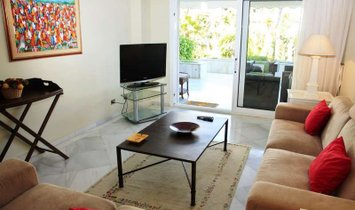 Luxury Ground Floor Beachfront Apartment, Puerto Banus