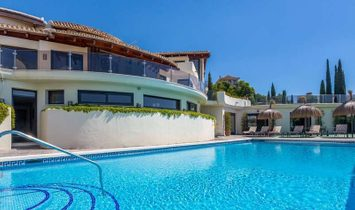Stunning Mansion in Prestigious Golf Development, Los Flamingos, Marbella