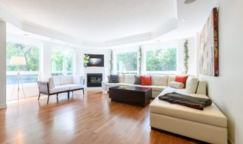 Expansive Ground Floor Condo