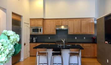 4 Bedrooms Townhouse