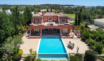 Detached House, 6 Bedrooms, For Sale