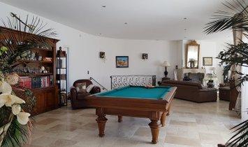 Var - Provençal house, for sale, in a dominant position