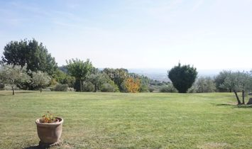 Modern property with a view in the upper reaches of Manosque