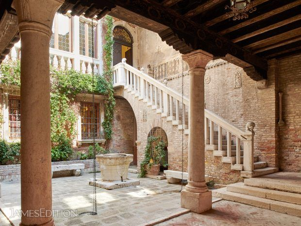 Byzantine Palazzetto With Private Bridge Courtyard (10643666)