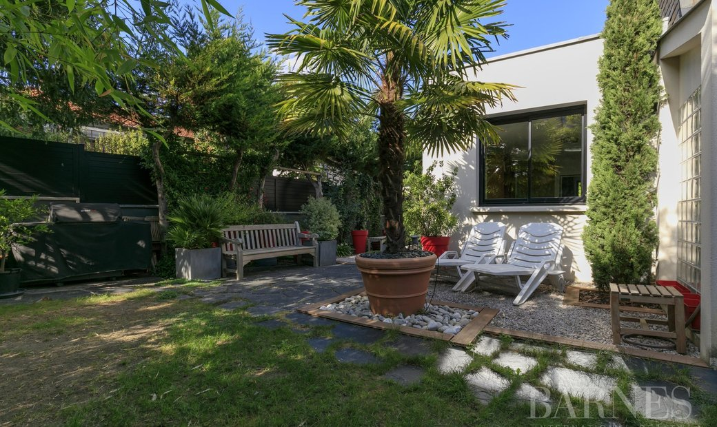 Sale - House Suresnes
