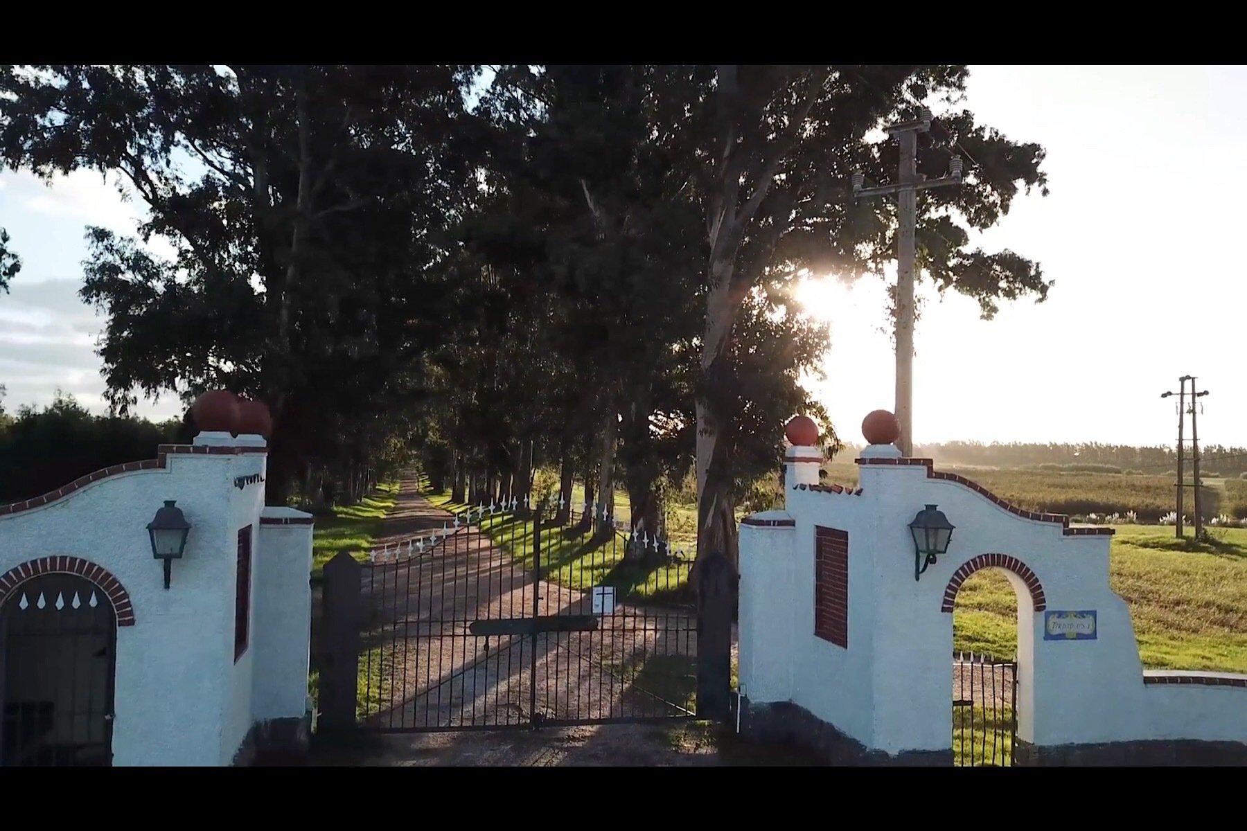 House in Departamento de Montevideo, Uruguay 1