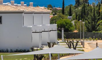 Villa 2 bedrooms with guaranteed net income in development with pool and sea view, Carvoeiro Algarve