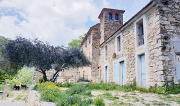 Dpt Alpes Maritimes (06), for sale entire hamlet on 116 hectares