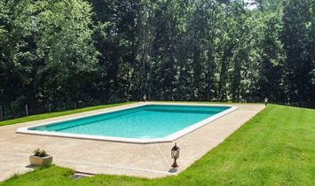 For sale DORDOGNE between Monpazier and Villeréal, property P8 of 200 m² on 1 HECTARE of woodland