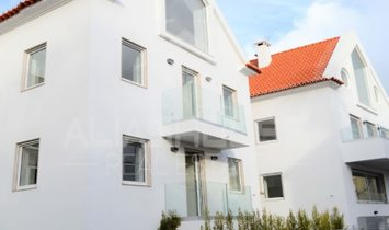3 bedroom Duplex apartment with sea view in Estoril