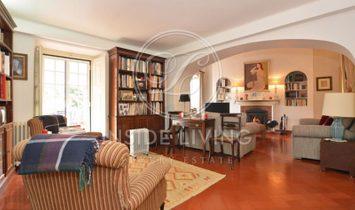 XIX Century Property, in a 11.000 sqm plot, in Sintra