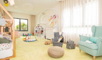 6 + 1 Bedroom Villa with sea view in Oeiras