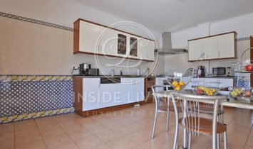 4 + 1 bedroom Villa in Sintra