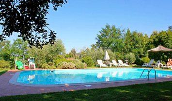Farmstead / Courtyard for sale in Massa Marittima