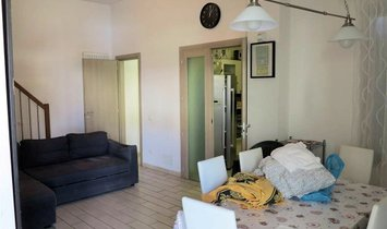 Flat for sale in Follonica