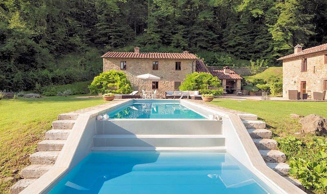 Farmstead / Courtyard for sale in Radicondoli