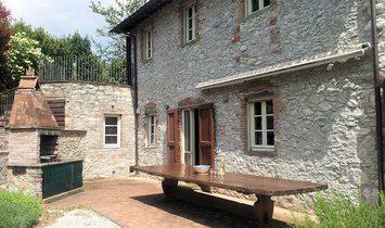 Farmstead / Courtyard for sale in Borgo a Mozzano