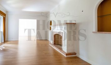 Stylish and charming T6 townhouse in Sintra