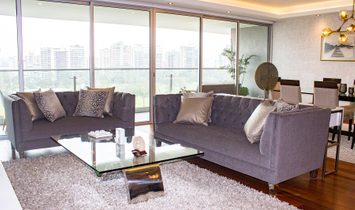 Luxurious Apartment With Spectacular Views Of The Golf