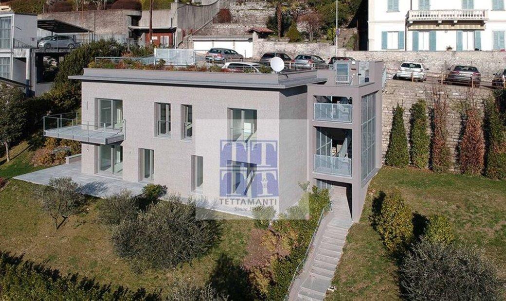 Modern villa Como