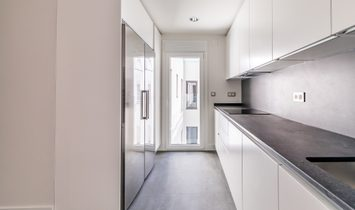 Elegant Penthouse Duplex Renovated In Justicia