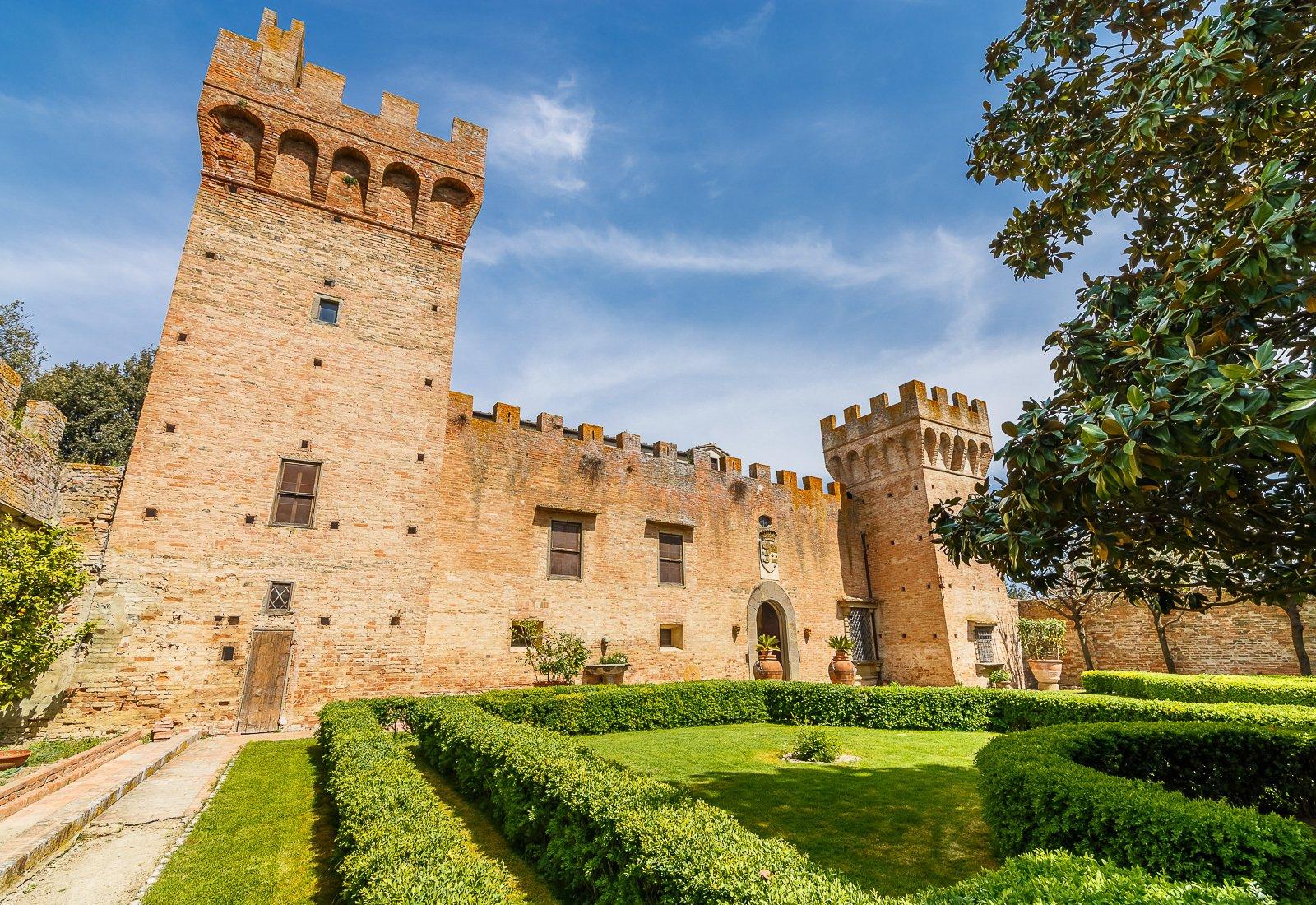 Brunelleschi castle for sale near Florence in Firenze