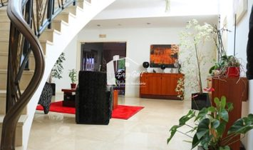 House 5 Bedrooms For sale Espinho