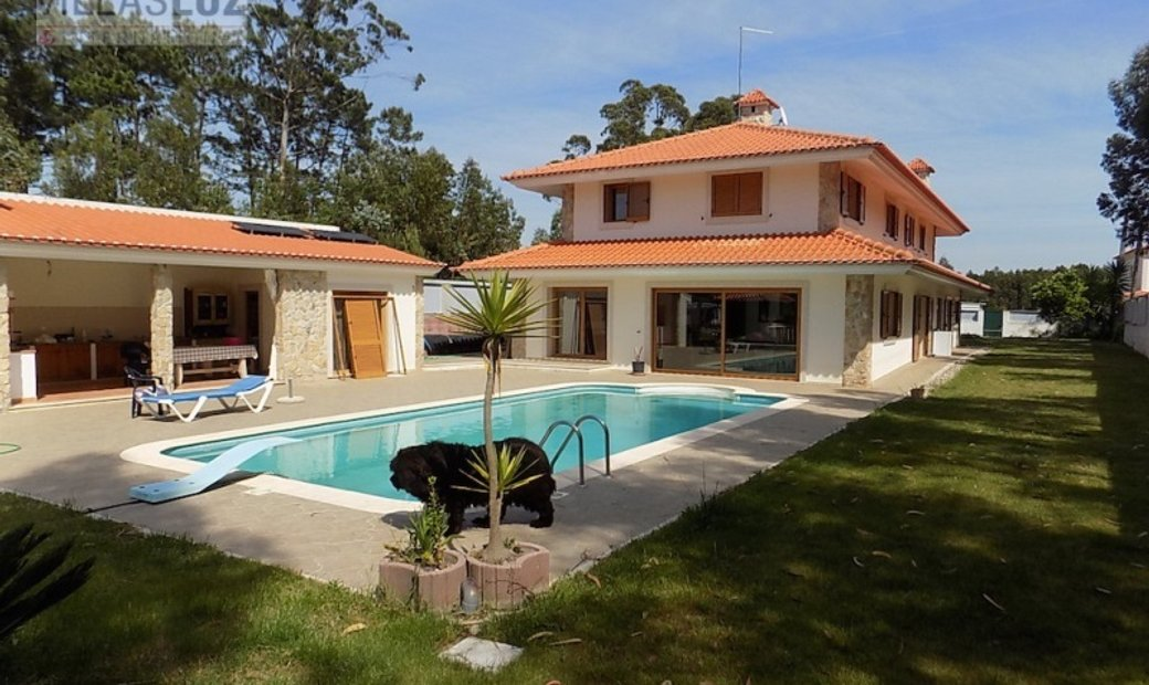 Great villa with nice location, between town and beach