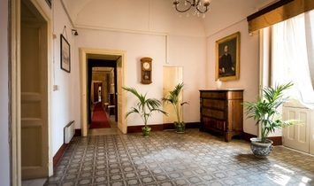 Noble Floor Apartment In Baroque Palace With Terrace And Frescoes