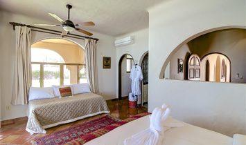 Mazatlan Delfin Beachfront Estate