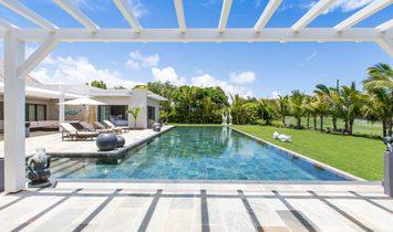Luxury villa golfers paradise