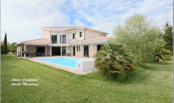 Dpt Gironde (33), for sale LATRESNE house 10 rooms of 315 m² - Land of 2 476 m²