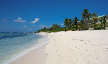 Condo in Patricks Island, George Town, Cayman Islands 1