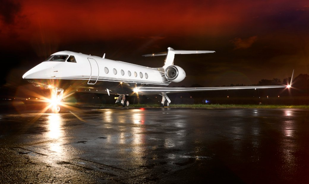 Gulfstream G550 - Fwd Galley