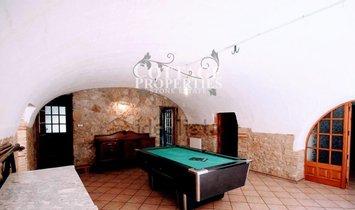 Tallada D'Emporda, La Casas de pueblo