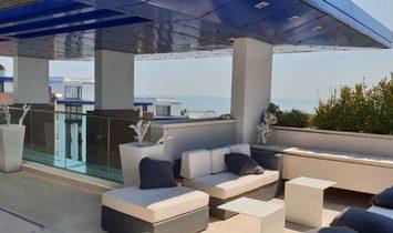 Panoramic penthouse near the sea
