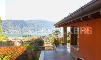 CHIC VILLA WITH PANORAMIC LAKE VIEW IN SARNICO