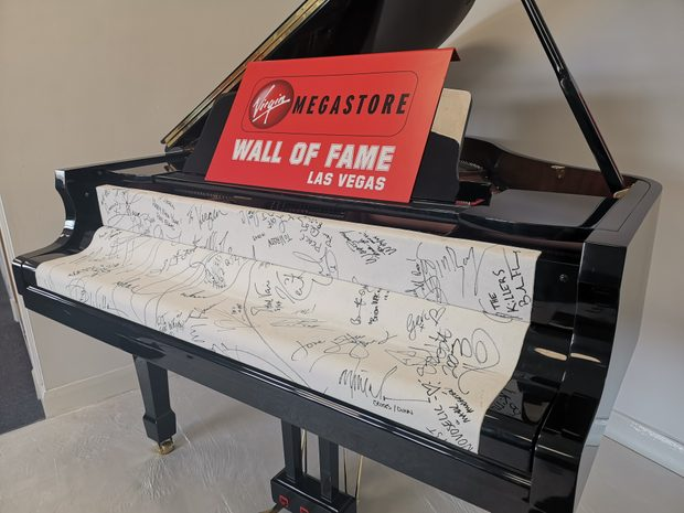 Extremely Rare Autographed Piano - Signed by Michael Jack... (10686359)