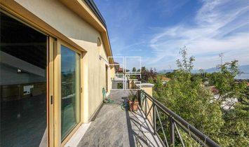 Villa singola con strepitosa vista lago