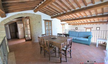 Independent villa in a panoramic area
