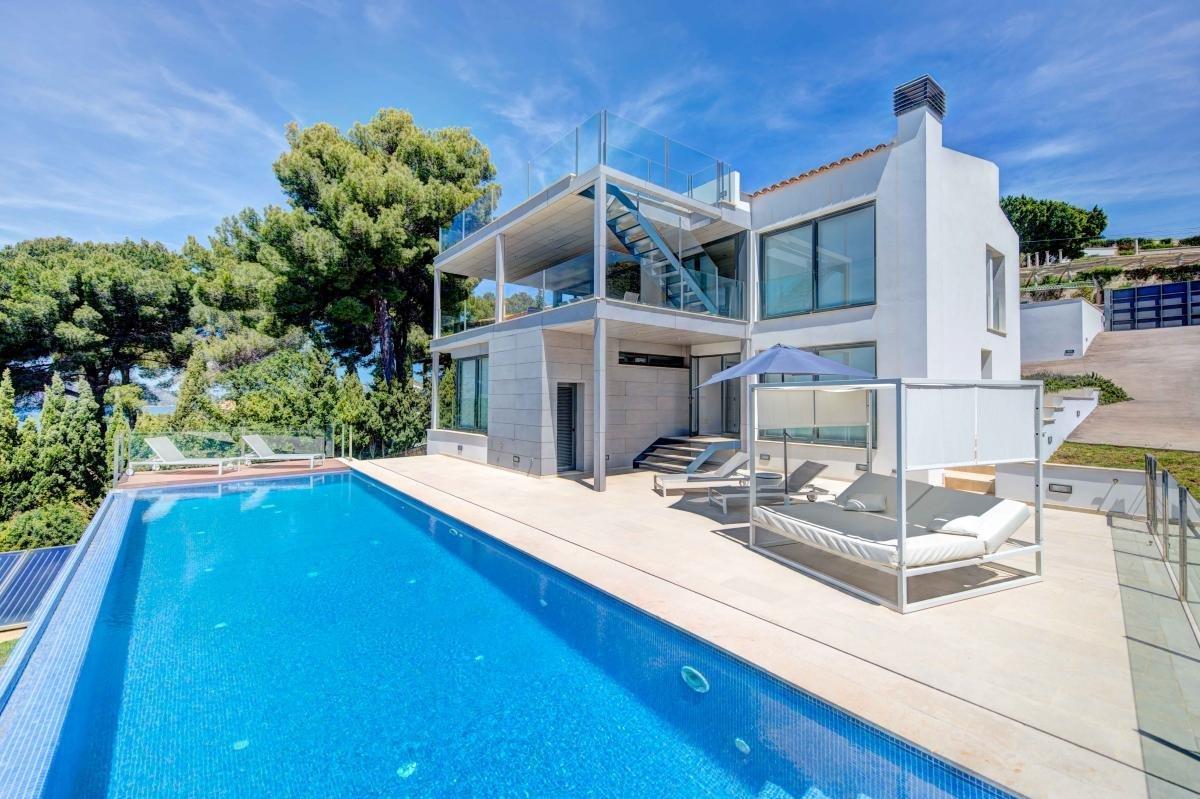 Villa in Alcúdia, Balearic Islands, Spain 1