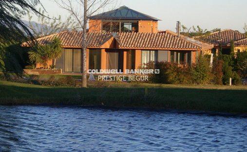 Villa in Navata, Cataluña, Spain