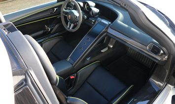 2015 Porsche 918 Spyder 4x4