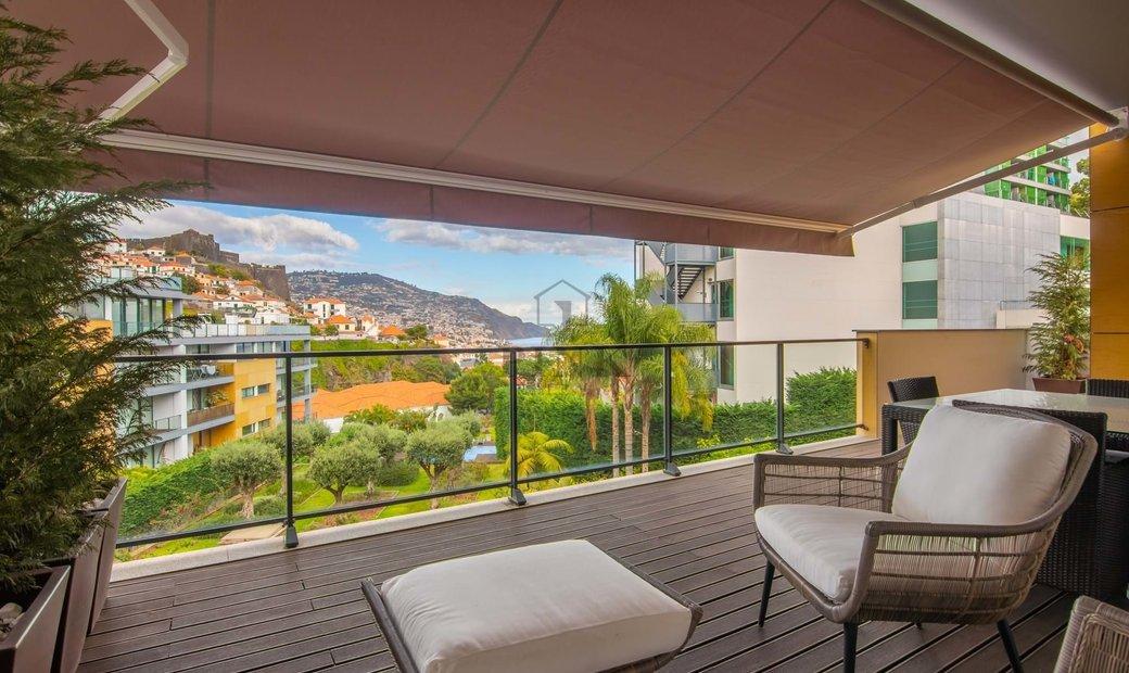 3 Bedrooms Apartment - São Pedro