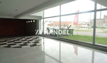 Warehouse in Espinho 832 m2 destined to trade/industry.
