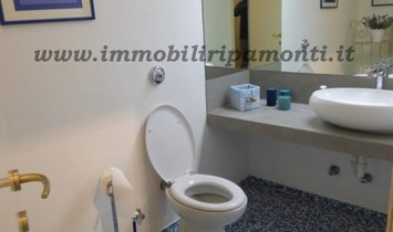 Appartamento di cinque locali in vendita a Lecco.